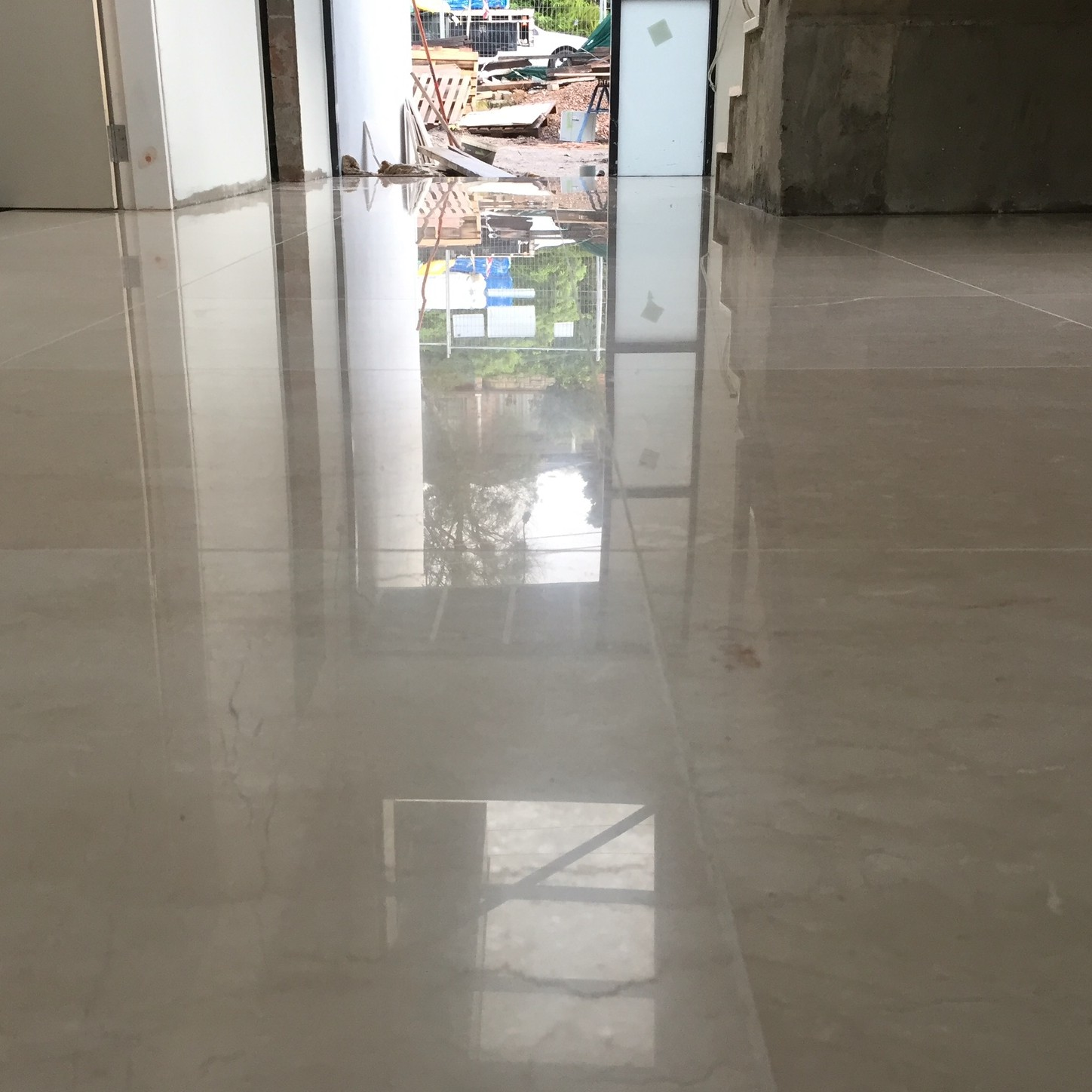 Tile polishing by Sutherland Shire Flooring